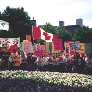C54-Ph54-3-406_Manifestation à Queen's Park, en faveur d'un réseau de collèges de langue française en Ontario