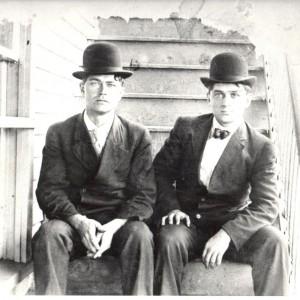 Frères Osisas et Hormidas Asselin_1910_Limoges ON