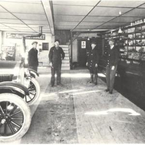 L'intérieur du Garage de M. Jos Houle