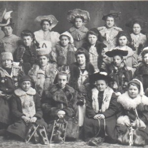 Patineuses de Rockland en costume_1916