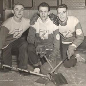 Trois joueurs de l'Équipe de Ballon-Balai_1952-1953